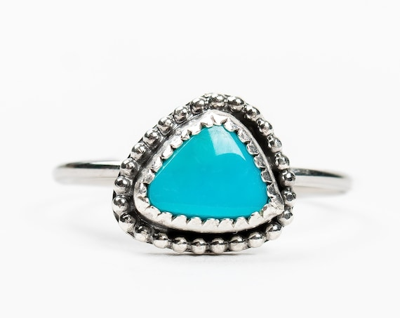 SIZE 7.75 Morenci Turquoise Gemstone Ring in Sterling Silver // Bohemian boho indian navajo beaded light aqua teal blue solitaire ring