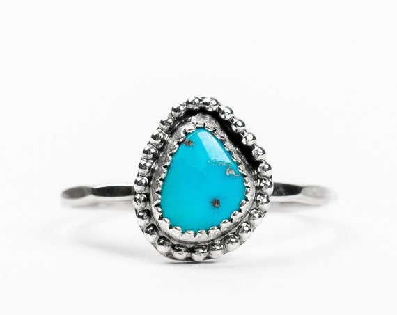 SIZE 8.25 Aqua Blue Morenci Turquoise Gemstone Ring in Sterling Silver // Beaded boho bohemian indian navajo light teal blue solitaire ring