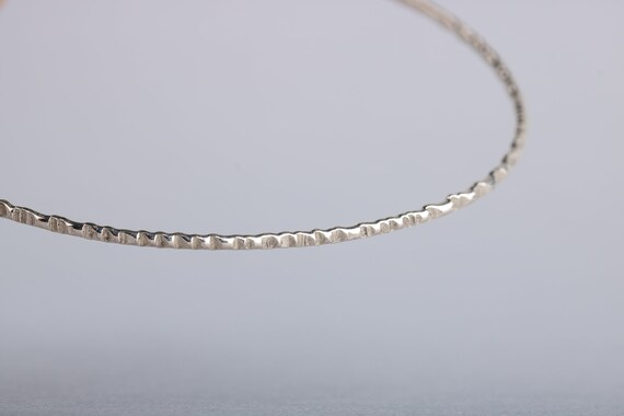 ONE Rugged Textured Sterling Silver Skinny Bangle Bracelet - Hammered Texture Stackable Bangle Bracelet - Skinny bangles