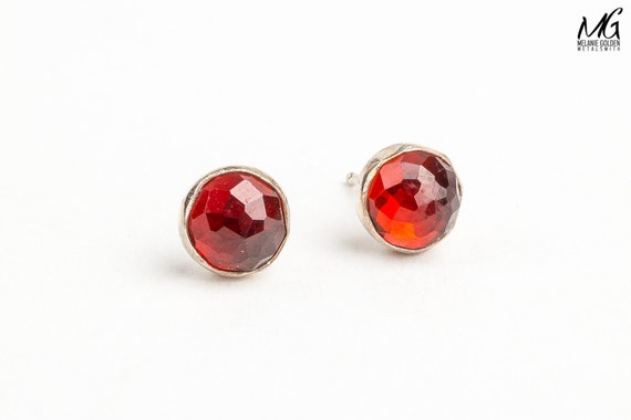 Red Rhodolite Garnet post earrings in Sterling Silver - Strawberry red stud earrings - Blood red faceted gemstone earrings