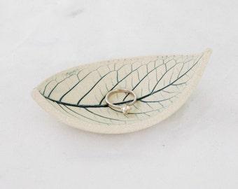 Leaf Bowl Ceramic Wedding Ring Dish Ring Holder ~ Ceramic Bowls Ceramic Dish Jewellery Holder ~ Modern Ceramics Nature Minimalist Decor Blue