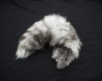 """19""""-22"""" Blue Frost fox fur real tail Totem Keychain Key Ring Ornament for Purse, Anime Costume, Etc"""