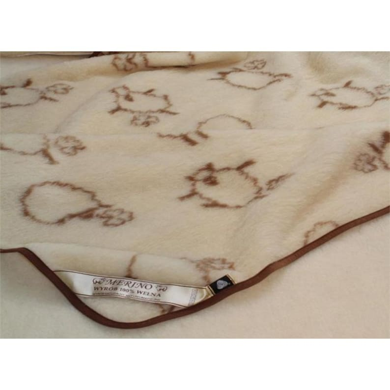100 percent pure merino wool blanket 180 x 200cm King size quilt  coverlet  bedspread  bedding  gift for Christmas