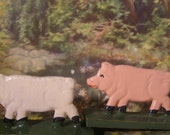 Erzgebirge Primitive Wooden Handcrafted Pair of Adorable Pigs. Putz Village Farm Barn. Double Sided Hand Painted Collectible German Folk Art