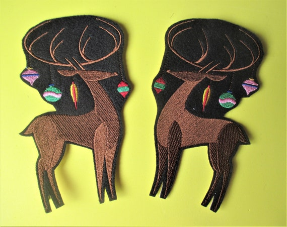 Pillows Large Embroidered Santas/' Reindeer Applique Patch Tablecloths for Denim Antlers Decorated with Christmas Bulbs Sweatshirts