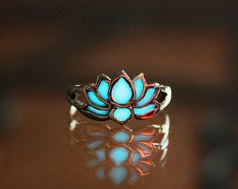 Lotus Flower Toe Ring  / Glow in the Dark / Sterling Silver  Flower Toe ring / Midi Ring /