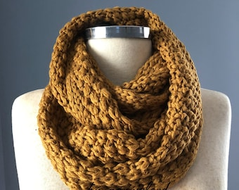 Sale, knit scarf, Knit infinity scarf, chunky cowl scarf, gift for her, women scarf,  unisex, winter accessories, chunky scarf