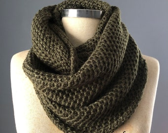 Sale, Cowl scarf, handmade scarf, unisex scarf, knitted scarf, chunky scarf, infinity scarf, hunter green, Best Gift idea