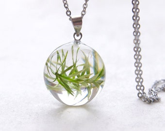 Plant necklace ⇷18mm⇸ Gifts for plant lover | nature lovers gift | real plant jewelry | Handmade gift for her | Crystal clear resin necklace