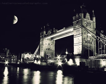 London Digital Photo Instant Download The Moon at night near Tower Bridge, Wall Decor - Black and White Fine Art Photography Gray Black