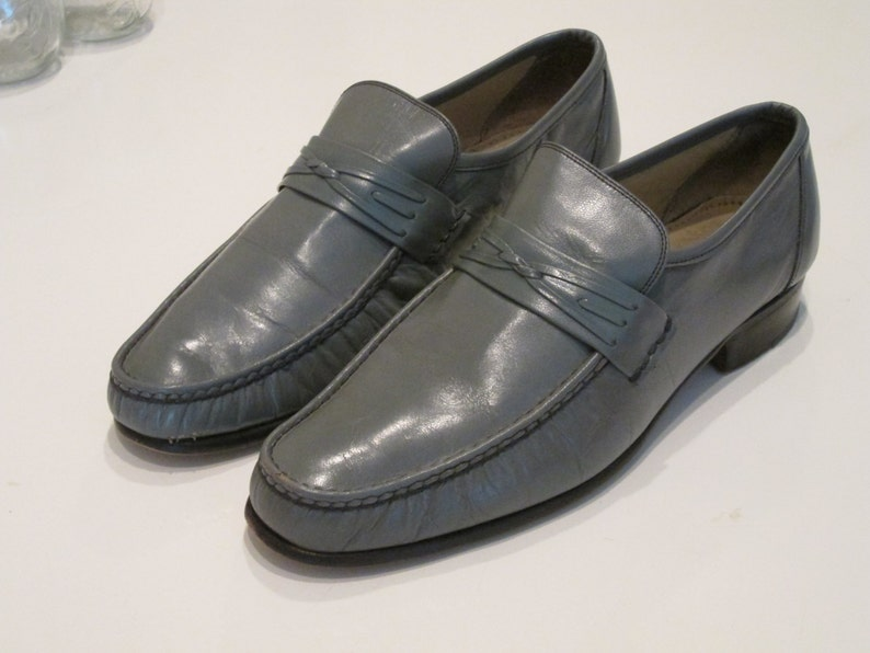 a66c4e520982 Vintage Italian Leather Grey Loafers. Size 7 1 2. American