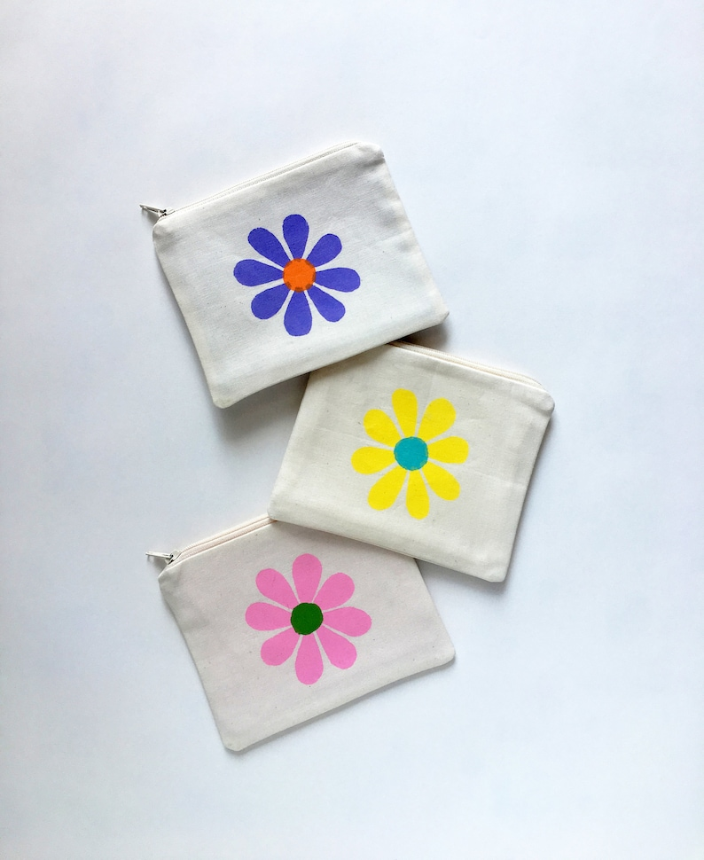 Zipper Pouch Cute Gifts for Girls Girls Gift Ideas for 10 Year Olds Kids Wallet Retro Daisy Coin Purse Small Purse Kids Birthday Gift