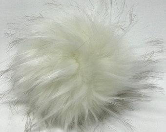 Snap on Faux Raccoon Pom Pom 13-15 cm - Snow White