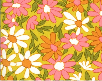 Blooming Bunch by Maureen McCormick - Big Brady Flower - Citrine 40040 19 Select a Size- FQ - half or full yard- Moda Cotton Quilt Fabric