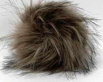 Snap on Faux Raccoon Pom Pom 13-15 cm - Mocha