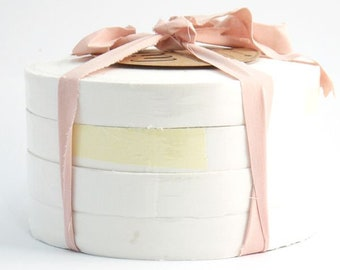 Shades of White - Aino Rag Rug yarn by Lankava