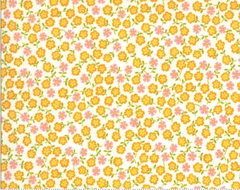 SALE Blooming Bunch by Maureen McCormick - Dainty Brady - Multi  40047 11 Select a Size- FQ - half or full yard- Moda Cotton Quilt Fabric