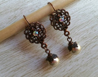 Filigree copper pearl earrings