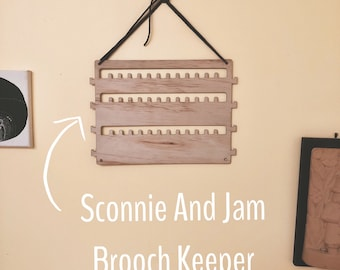 Jewellery Brooch Necklace Keeper Hanging Storage Unit - Organise and store all your brooches in the one place