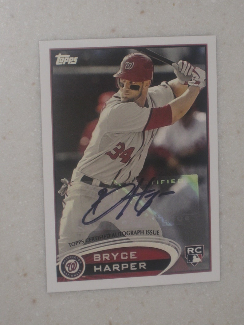 Topps 661 Bryce Harper Rookie Autographed Card