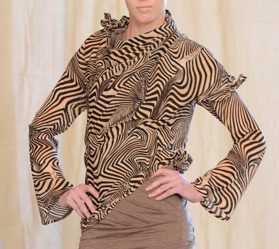 Women's lightweight Jacket, Sculpting Wire in Zebra Net Jersey, Design Yourself Versatile Looks