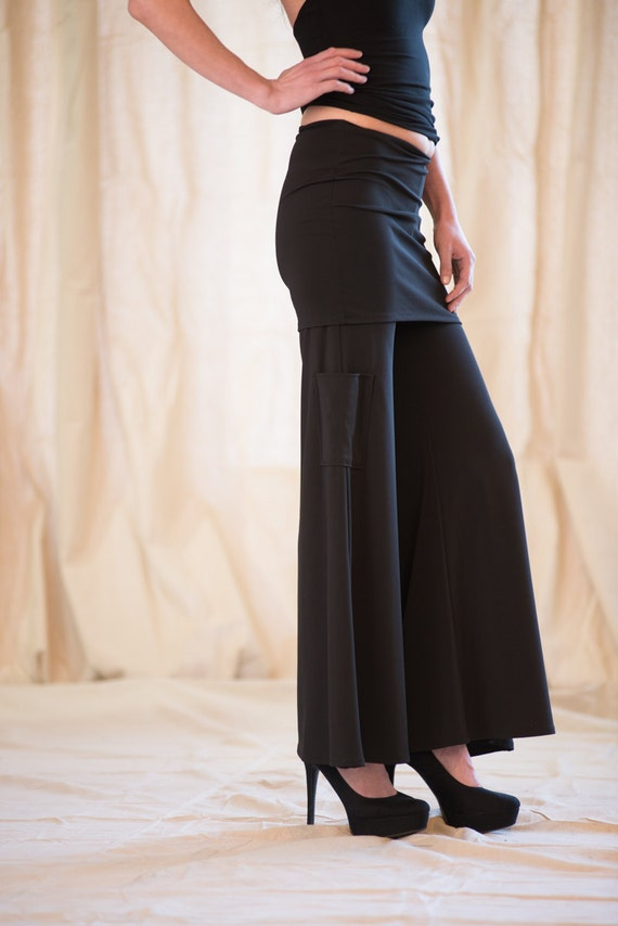 Women's pant wide leg with pocket and tight skirt over top to gather and minimize tummy by Rebecca Bruce P-640GD