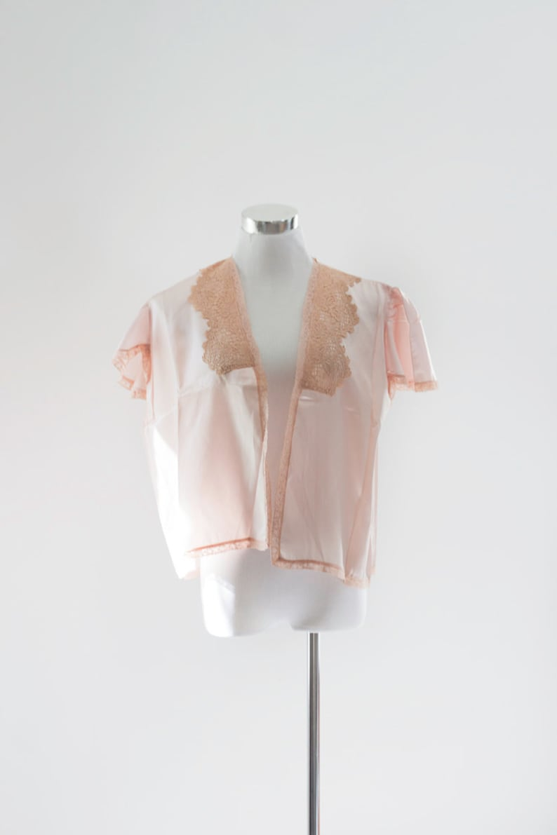 40s Bed Jacket Plus Size Retro Pin Up MED LG Rayon blend. Old Hollywood Parfait Jacket Pink Lace Negligee Bombshell lingerie