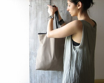 Unisex tote bag handmade in cotton taupe color with long handles / lunch bag for men and for woman / minimal bag united color / grocery bag