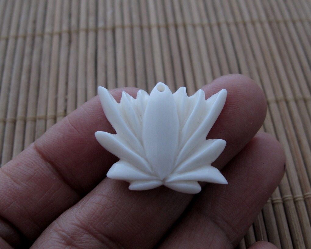 Gorgeous blooming lotus flower small lotus drill s6871 etsy zoom izmirmasajfo