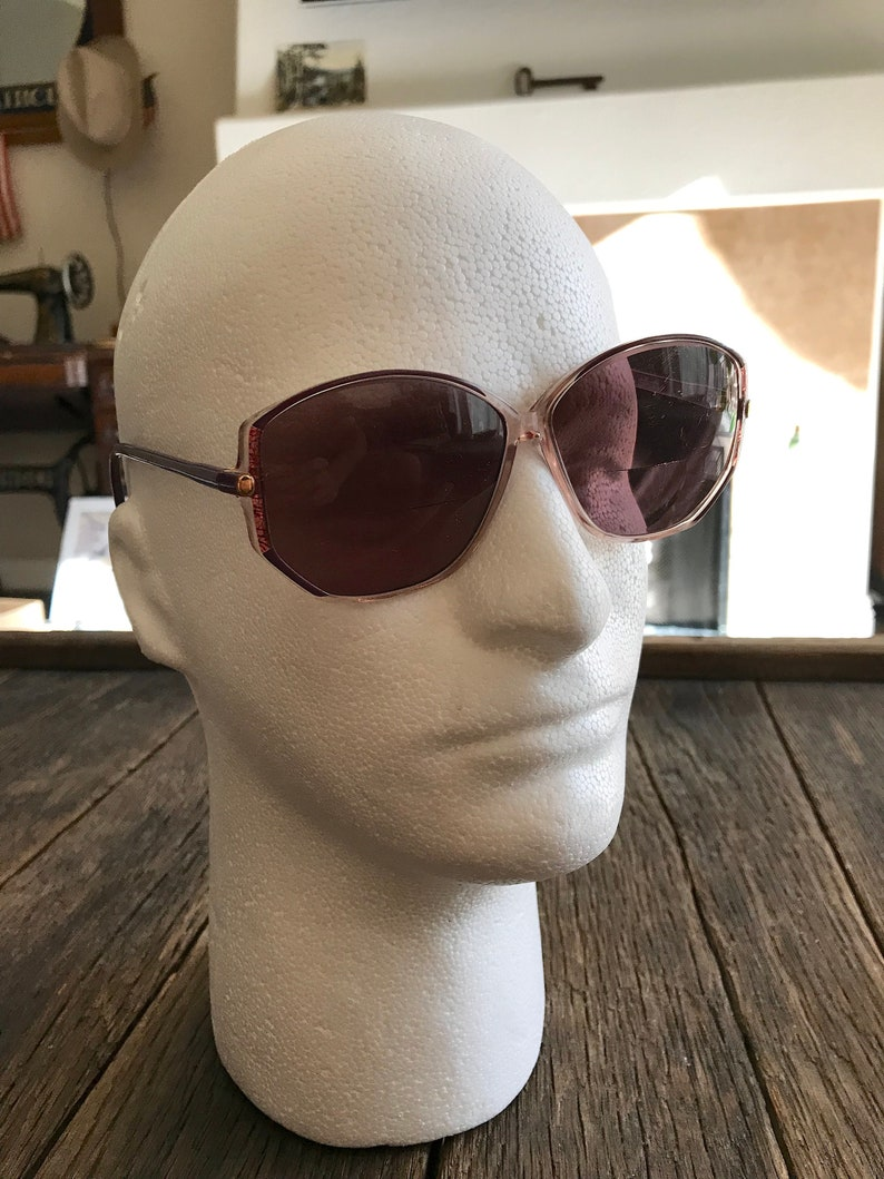 27927ec6a1 Vintage Large Old Lady Style Eyeglasses Vintage Silhouette