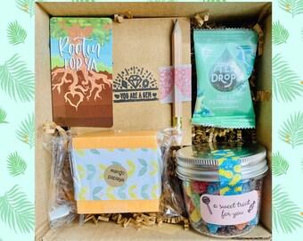 Congratulations: Graduation Gift Box