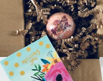 Miniature Hello Gift: Tiny Bath Bomb with Tiny Card
