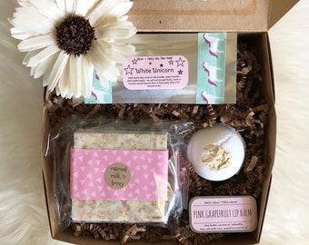 Bridesmaid Gift: Custom Beauty Gift box for Bridesmaids, Bridal Party Gift Idea, Bridesmaid Box, Personalized Bridesmaid Gift