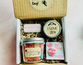 Galentines Day Gift Set: Sweets and Treats