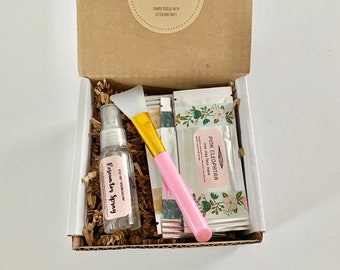 Skincare Gift Set: Rosewater Spray, Silicone Spatula and Clay Face Mask Gift