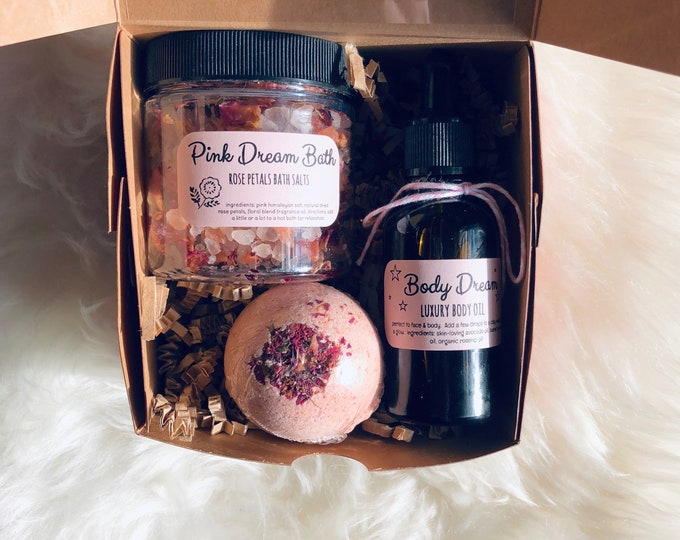Featured listing image: Valentine's Day Bath Lover Gift Set