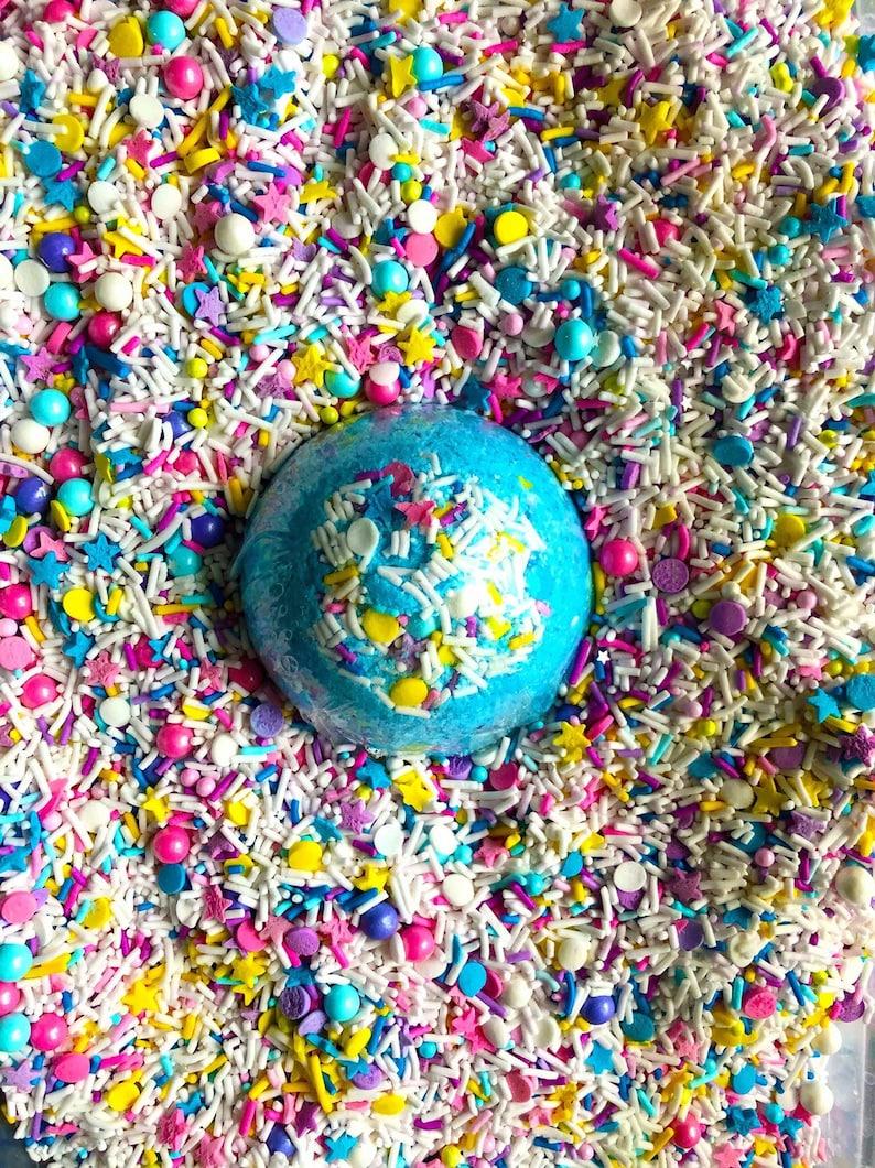 Birthday Cake Bath Bomb Gift: Birthday Gift for Teens Teen image 0