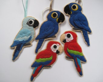 SALE% 5 Parrot Felt Ornaments, macaw package, Green-winged Macaw, Hyacinth Macaw, Spix's Macaw