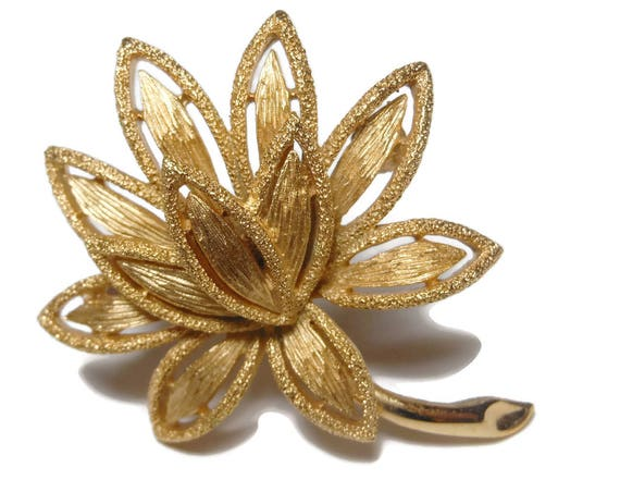Avon floral brooch, layered flower pin, brushed gold brooch, cutout petals, textured leaves