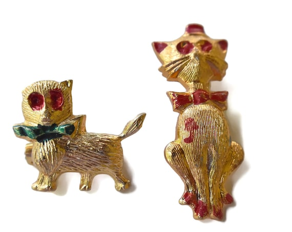 Dog and cat Scatter Pins, 1960's Small novelty pins, red and green enamel,  holidays Christmas, made in Hong Kong, tie tacks, lapel pins