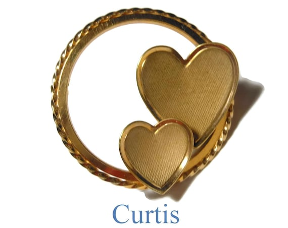 Curtis heart brooch, gold filled  1950s, small gold heart circle pin, Curtis Jewelry Manufacturing Co, marked DEC