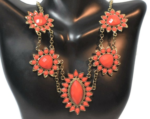 Bright orange beaded bib necklace choker, faceted orange cabochons set in gold-tone bold, beautiful color bursts