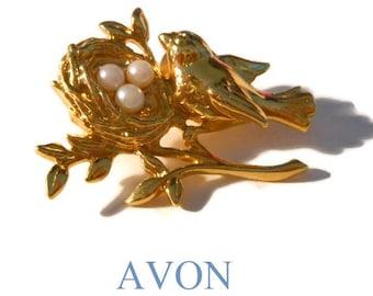 "Avon bird nest pearl brooch pin 1991 ""Mother's Nest"", gold tone tac pin"