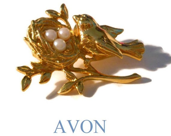 "Avon bird nest pearl brooch pin 1991 ""Mother's Nest"", gold tone tac pin"