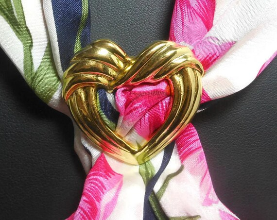 Gold heart scarf clip ring, gold tone ridges, heart shaped scarf slide, sweater clip vintage