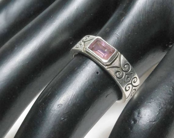 Sterling silver ring, amethyst glass bezel set in band, black antiquing scroll work, back open for light, vintage size 6 925
