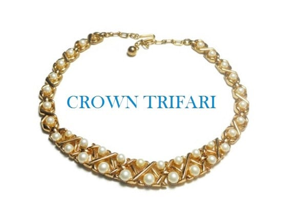 1950s Crown Trifari white faux pearl necklace choker signed, gold plated, criss cross pattern