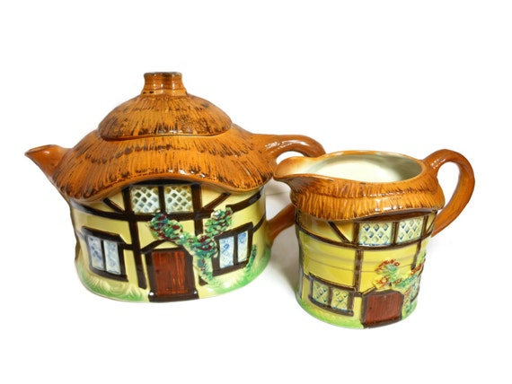 Signed tea set, 1950s early 60s, cottage ware, made in England, thatched cottage teapot and creamer, rare signed copy, designer Devon Cobb