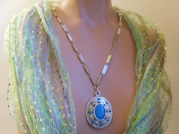 Whiting and Davis pendant necklace faux turquoise cabochon in silver southwestern design setting with link chain.