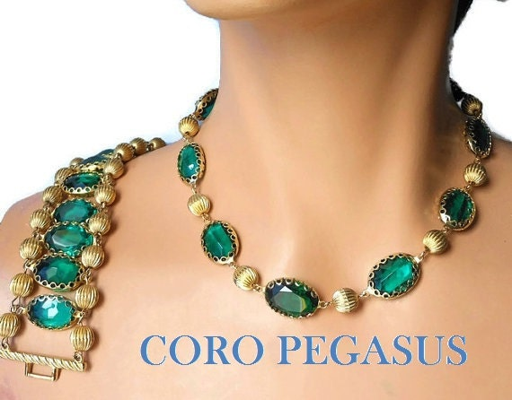 Coro Pegasus choker and bracelet set, faceted emerald green glass link necklace and fluted double strand ladder bracelet, gold beads, 1950s